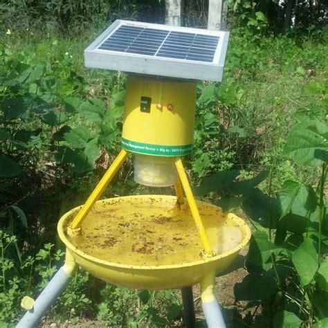 Insect Light Trap by Solar Powered Insect Trap Solar Powered Insect Trap Solar
