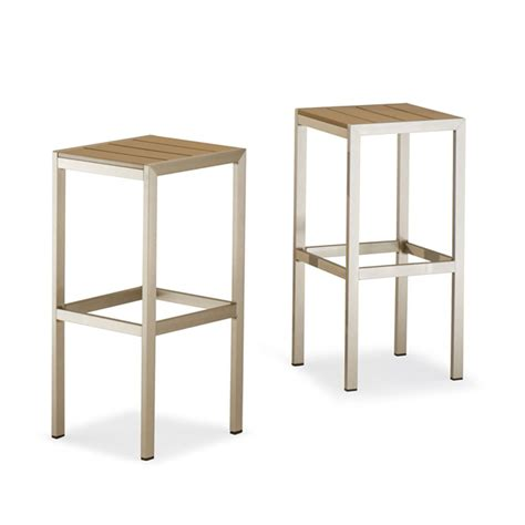 sgabelli in alluminio tt27 set per bar con un tavolo alto e 2 sgabelli in