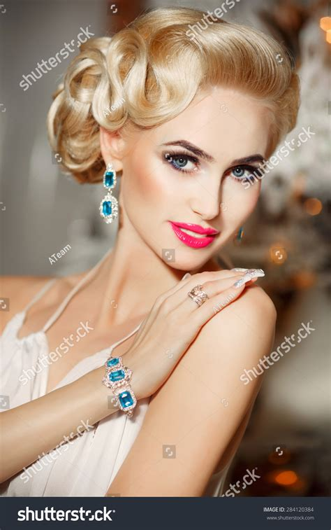 beautiful fashion model in jewelery and lila manicure manicure for over 60 hairstylegalleries com