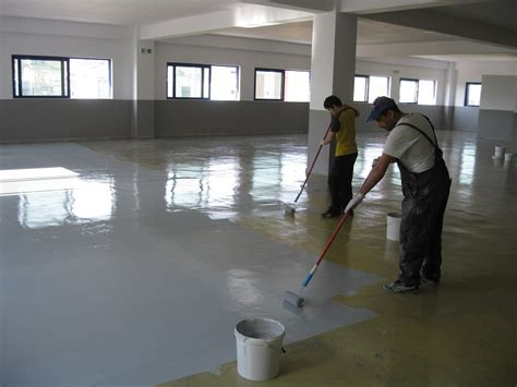 how to mix apply epoxy floor paint