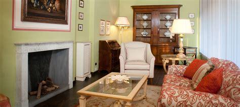 mobili lucca vetrina classico arredamenti arredamento e mobili a