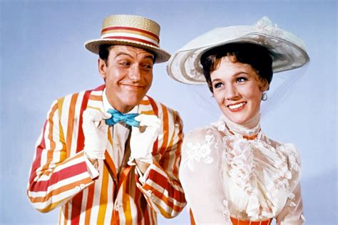 mary poppins the julie andrews will not appear in disney s quot mary poppins returns quot but gives her blessing to new