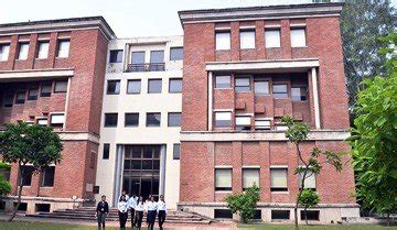 Iilm For Mba by Top Management Pgdm Mba Programs In Delhi Business