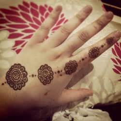 20 simple mehndi designs which i draw for myself daily fun online