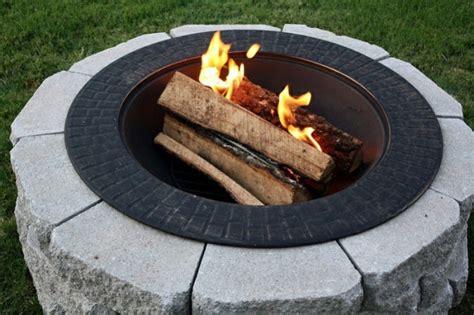 feuerstelle stein selber bauen wie k 246 nnen sie eine feuerstelle bauen 60 fotobeispiele