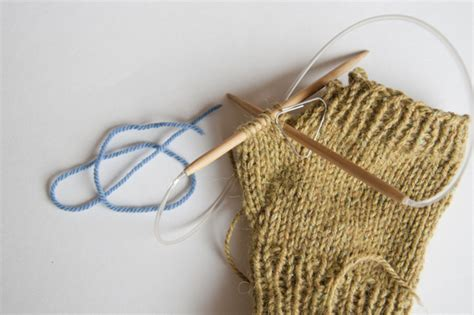 knitting thumbs on mittens how to knit convertible mittens
