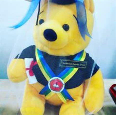 Boneka Wisuda Winnie The Pooh pooh boneka wisuda usd kado wisudaku