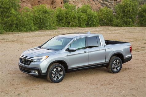 honda truck 2017 honda ridgeline looks more truck like gets in bed