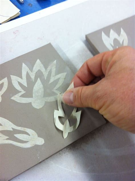How To Make Glaze Paper Flowers - paper stencils and texture surface decoration