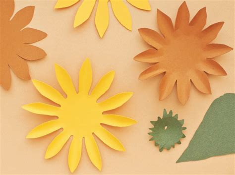 How To Make Sunflowers Out Of Paper - how to make a paper sunflower quarto creates