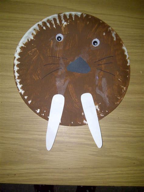 Paper Plate Polar Craft - paper plate walrus preschool crafts paper