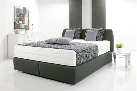 günstige matratzen 160x200 kleines schlafzimmer in weiss