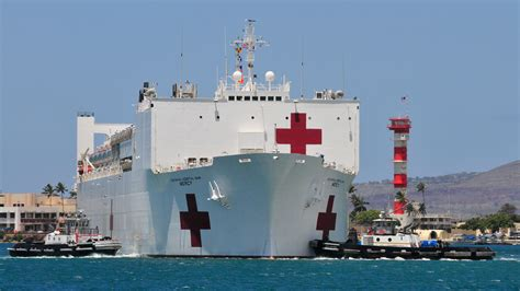 Usns Mercy And Comfort Monster Machines How The World S Largest Hospital Ships