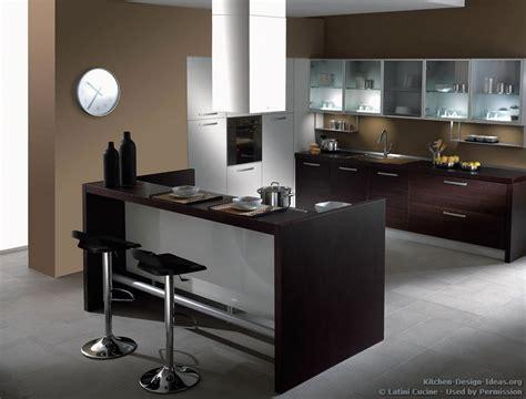 modern italian kitchen cabinets latini cucine classic modern italian kitchens