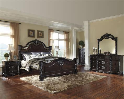 mattiner poster bedroom set   ashley queen king