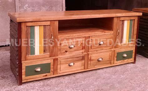 mueble de madera para tv mueble para tv de dise 241 o realizado en madera maciza tv103m