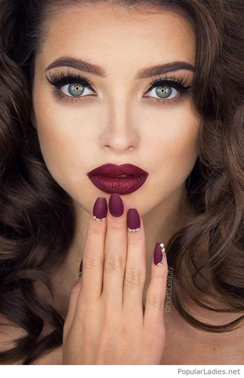 burgundy lips and matte nails