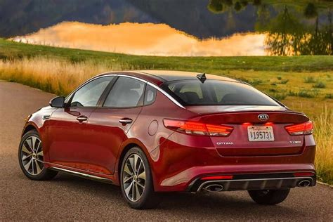 Kia Sonata 2016 Hyundai Sonata Vs 2016 Kia Optima What S The