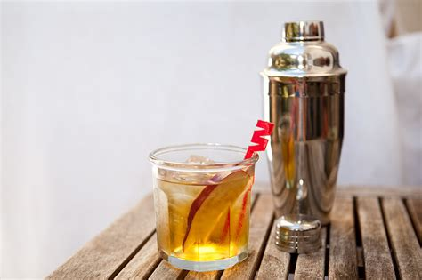 fall wedding ideas signature drinks capiriniah onewed com