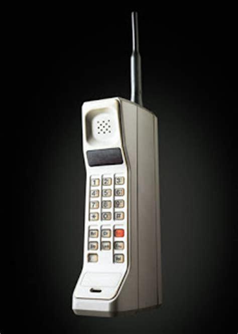 perkembangan telepon seluler  generasi pertama sampai