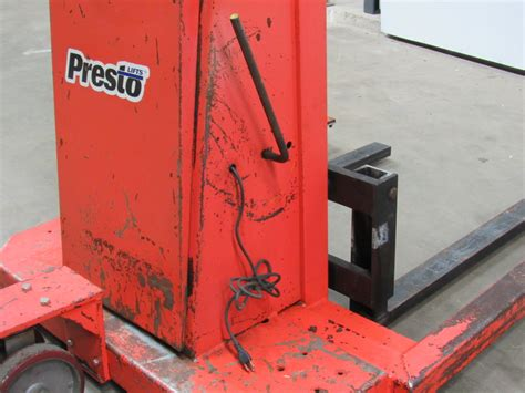 presto lifts ps262 straddle pallet stacker 12v 2000lb