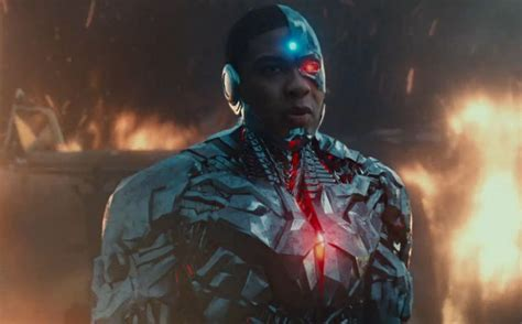 justice league film cyborg cyborg finally says booyah in new justice league tv spot