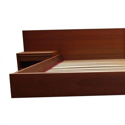 Mid Century Platform Bed King Size Vintage Midcentury Platform Bed At 1stdibs