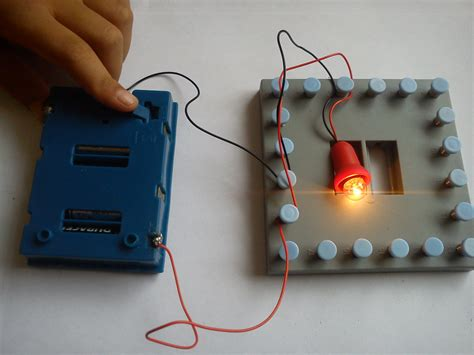 make an electric circuit electronics for circuits work the resources