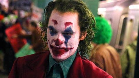 joaquin phoenixs joker  action   terrorises  train  leaked set video hollywood