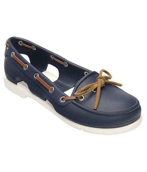boat shoes fit crocs standard fit beach line boat shoe for women price in