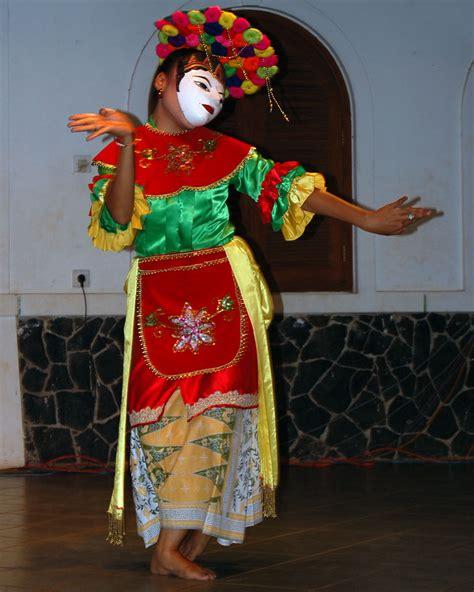 kitabisa dukung ashvara di kontes robot seni tari indonesia