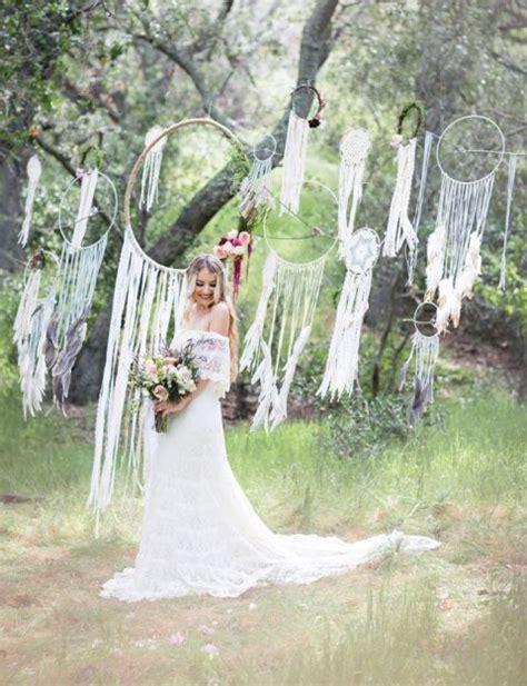 22 Boho Wedding Dreamcatcher Décor Ideas   Weddingomania