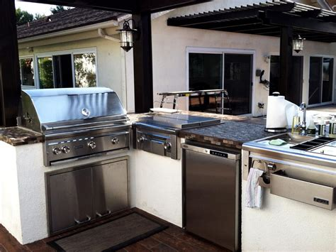 outdoor kitchen backsplash 2018 stainless steel outdoor kitchens pictures tips ideas hgtv