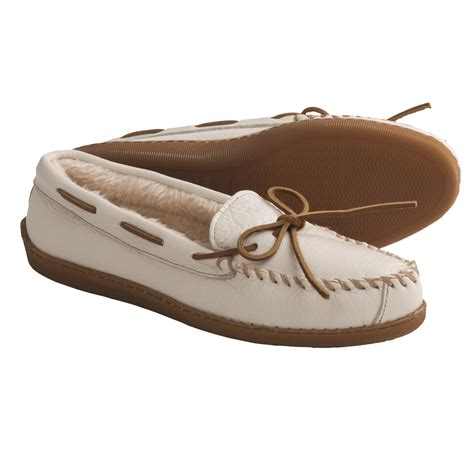 moccasins shoes for minnetonka moccasin boat moc shoes for and youth