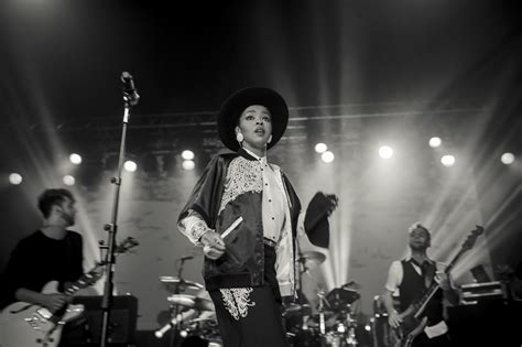 lauryn hill uk tour review gig junkies 187 blog archive 187 ms lauryn hill at the o2