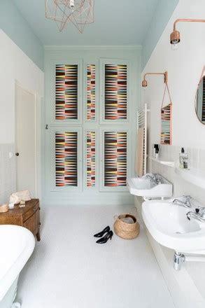 decorare bagno decorare le pareti bagno foto e idee living corriere