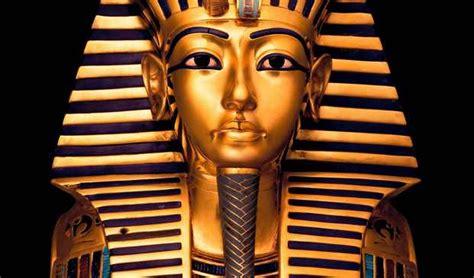 Maskara Nefertiti escaneo desde el interior de la tumba de tutankam 243 n