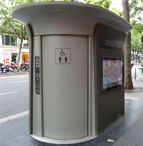public bathrooms in europe finding free bathrooms in paris paradise found around
