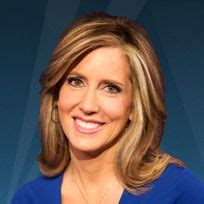 do female fox anchors wear hair extensions why fox news anchors wear so much makeup her hair