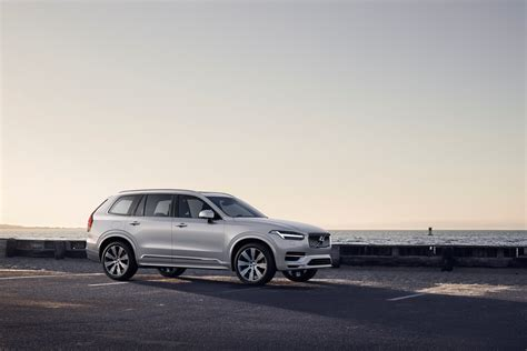volvo cars introduces refreshed volvo xc suv volvo cars  canada media newsroom