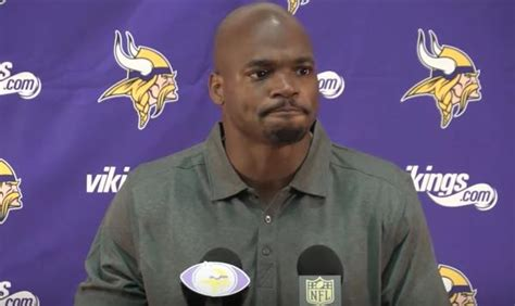 adrian peterson s adrian peterson saints reportedly closing in on a deal