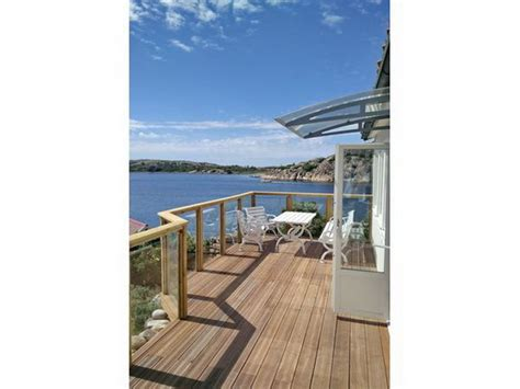 veranda vor dem haus ferienhaus quot villa havstenssund quot bohusl 228 n firma