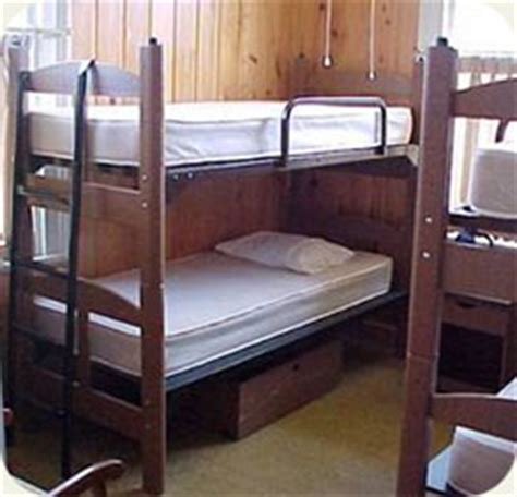 2 beds in 1 lodging dining