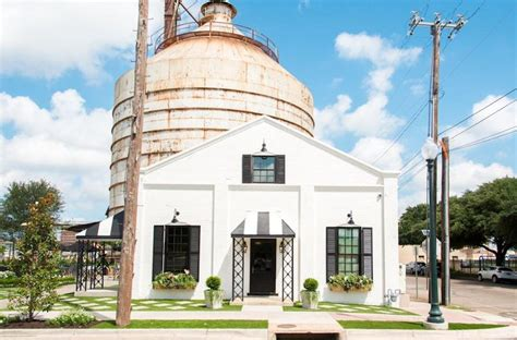 fixer upper stars magnolia market hit with lawsuit over visitor s alleged