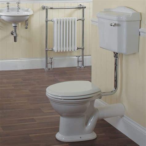 loo british bathroom old fashioned toilets