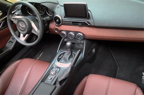 Mazda Miata Interior by 2017 Mazda Mx 5 Miata Rf Interior From Above Motor Trend