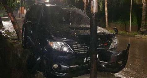 Fortuner Fr1250 List Hijau Ew goriau kecelakaan setnov menurut saksi ada mobil sedan yang sengaja disiapkan untuk angkut