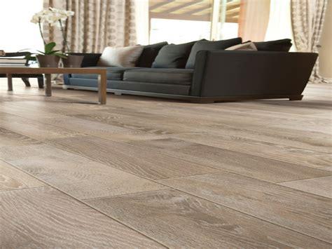 Ceramic Tile Flooring That Looks Like Wood Modern Kitchen Floor Tile Tile Flooring That Looks Like Wood Floors Wood Look Porcelain Tile