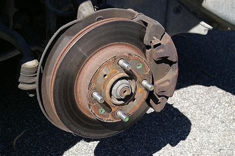 Cover Tromol Disc Brake how disc and drum brakes work