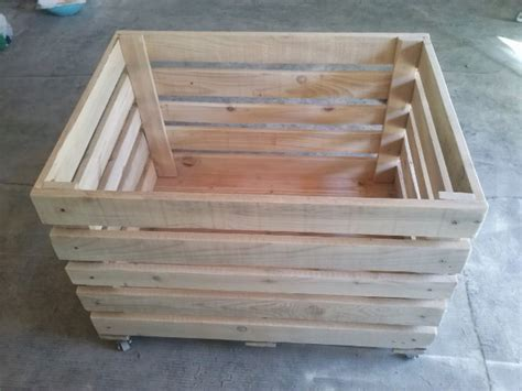 how to make a toy chest out of pallets quick woodworking projects
